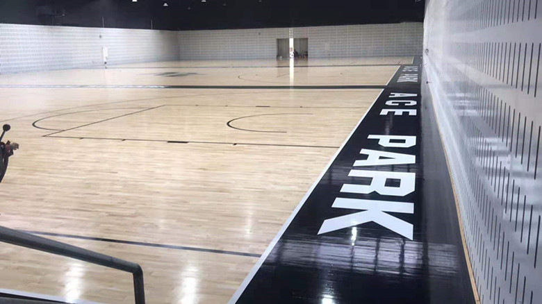 玉林篮球馆木地板