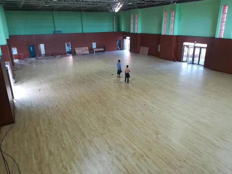 津市桦木羽毛球馆木地板批发
