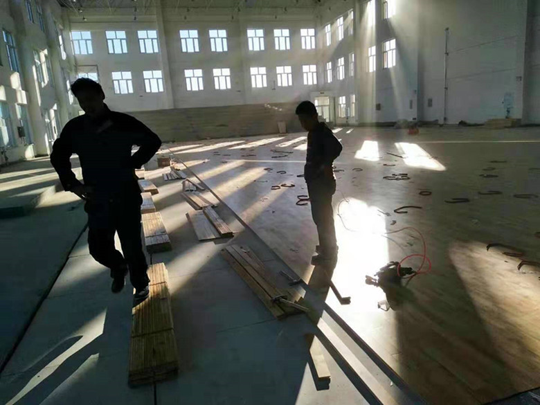 来宾羽毛球馆木地板
