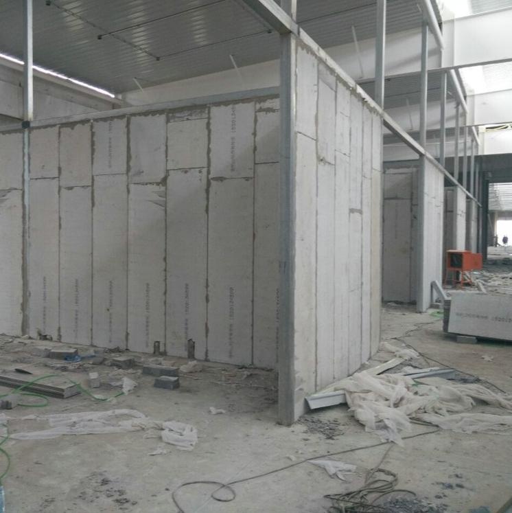 抗水新型隔墙板公司
