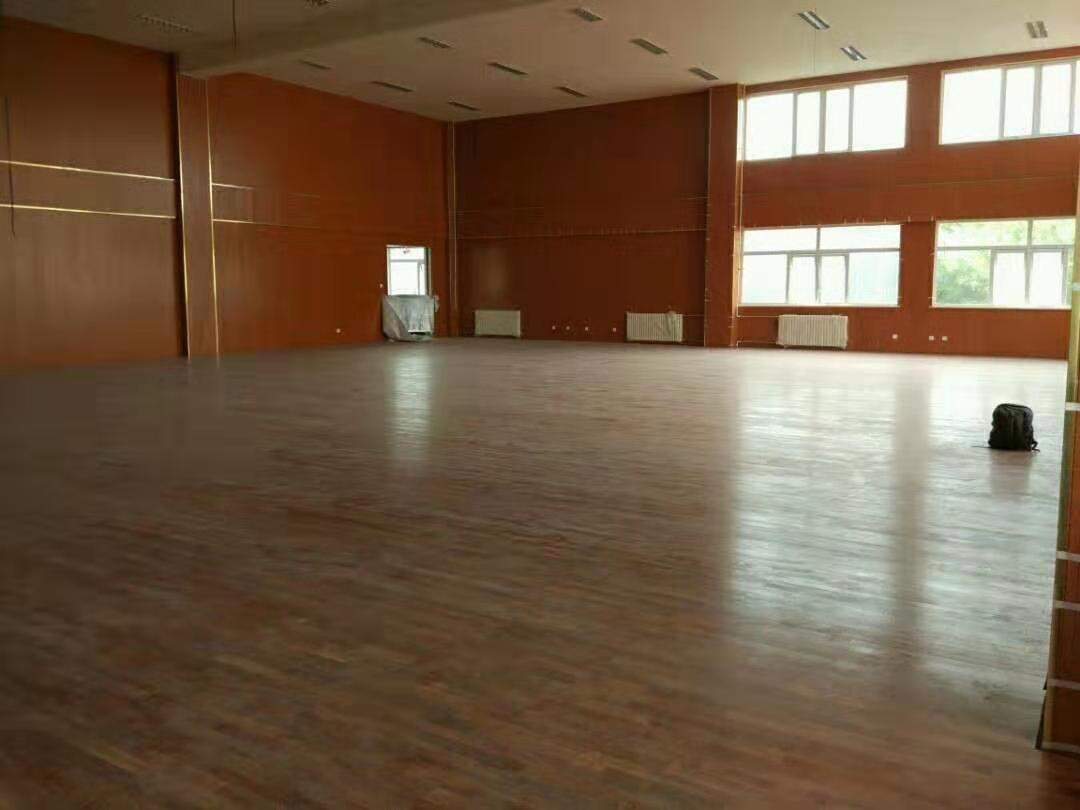 和田硬木运动木地板厂