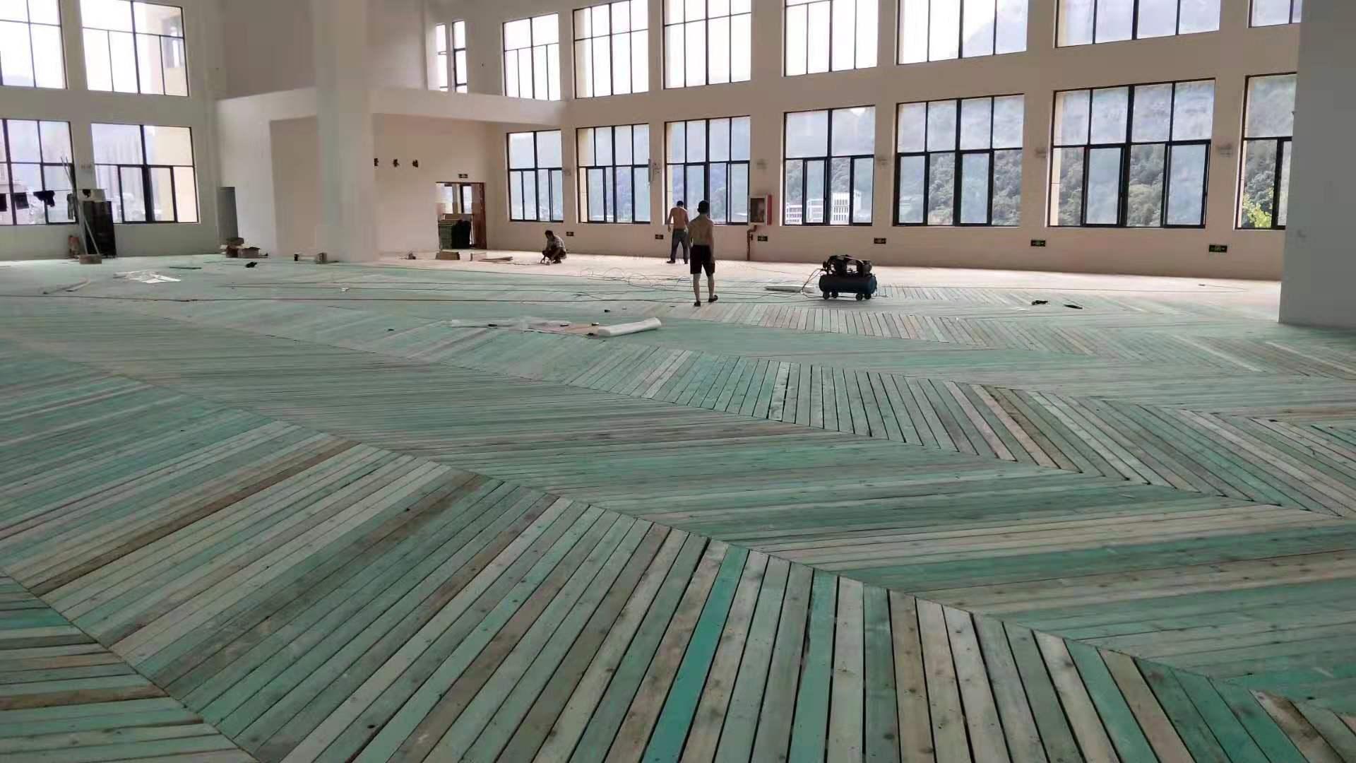 海东枫木运动木地板厂