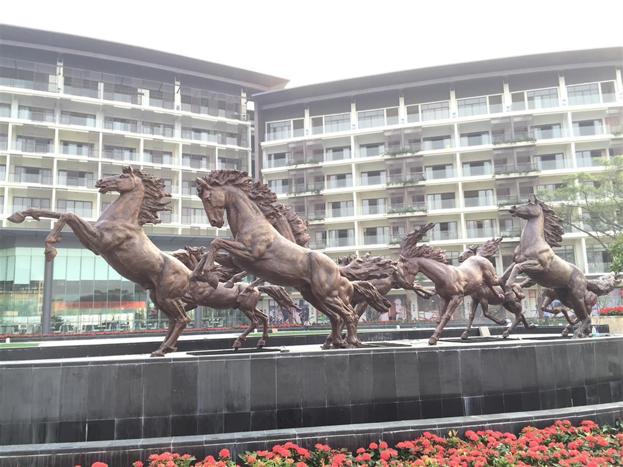 贺州玻璃钢雕塑厂家