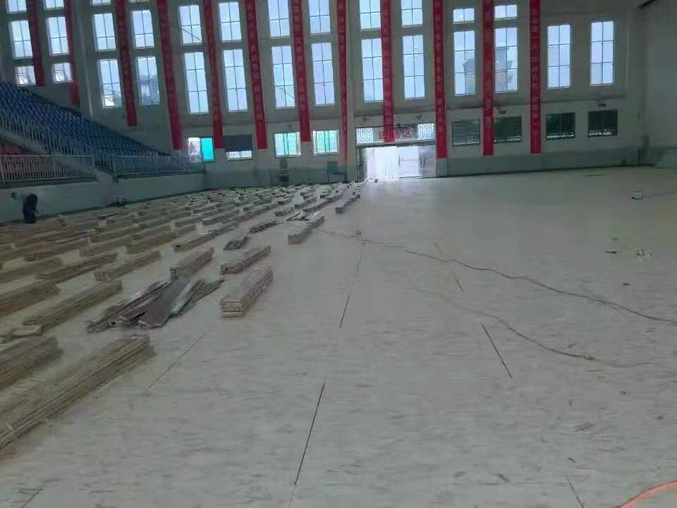 钦州学校橡胶木体育地板批发价