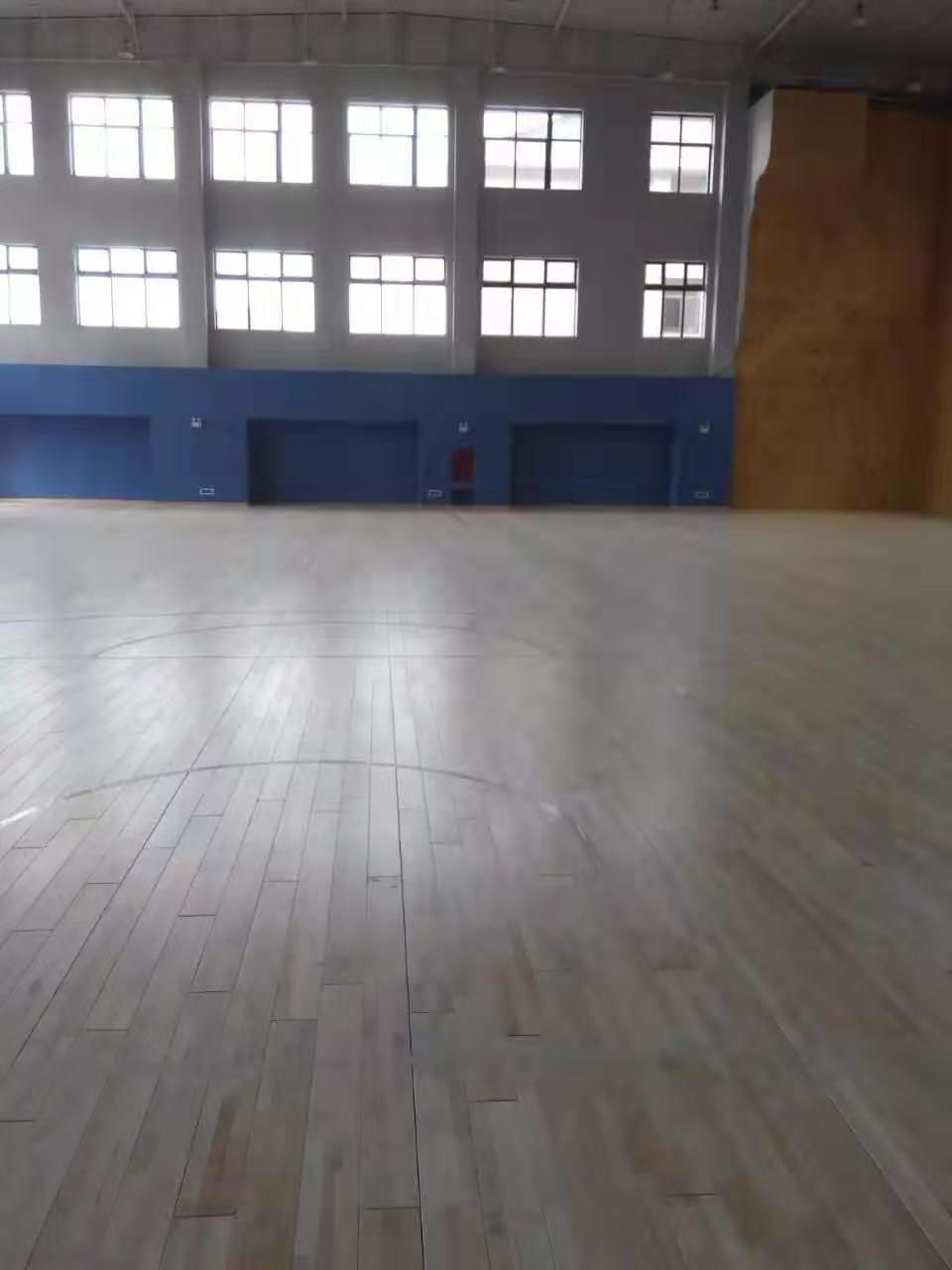 四川篮球馆体育馆运动木地板翻新厂
