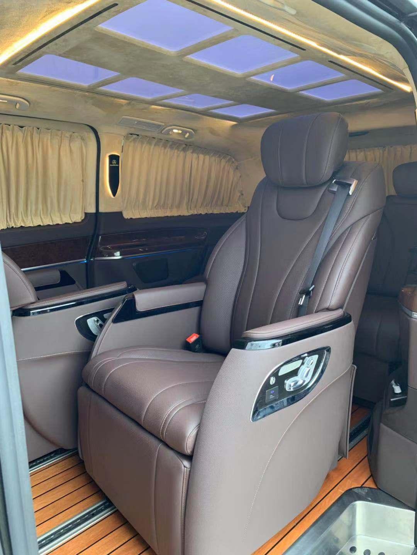 杭州奔驰威霆改装V260原厂扶手箱