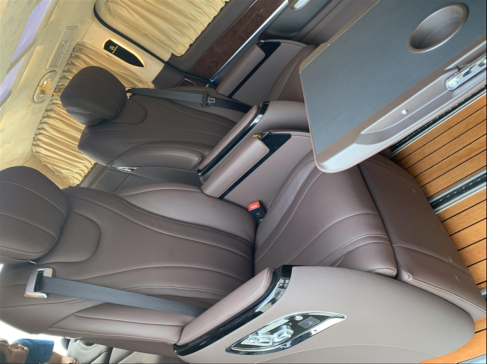 嘉定奔驰G500内饰改装升级航空座椅木地板