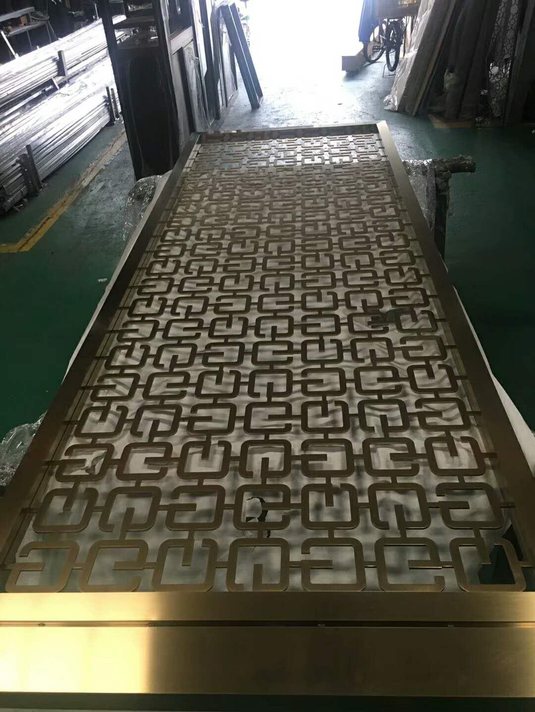 上海典雅铜板雕刻屏风隔断厂