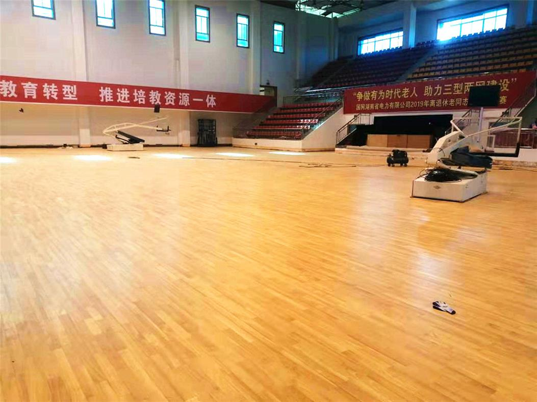 汕尾剧院室内运动场木地板