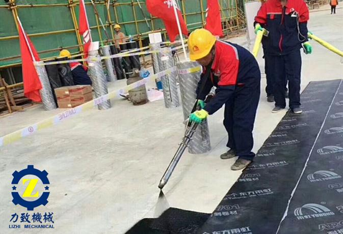 南京地下车库喷涂设备非固化喷涂机