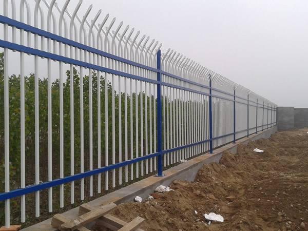 重庆沙坪坝区锌钢围栏批发价格
