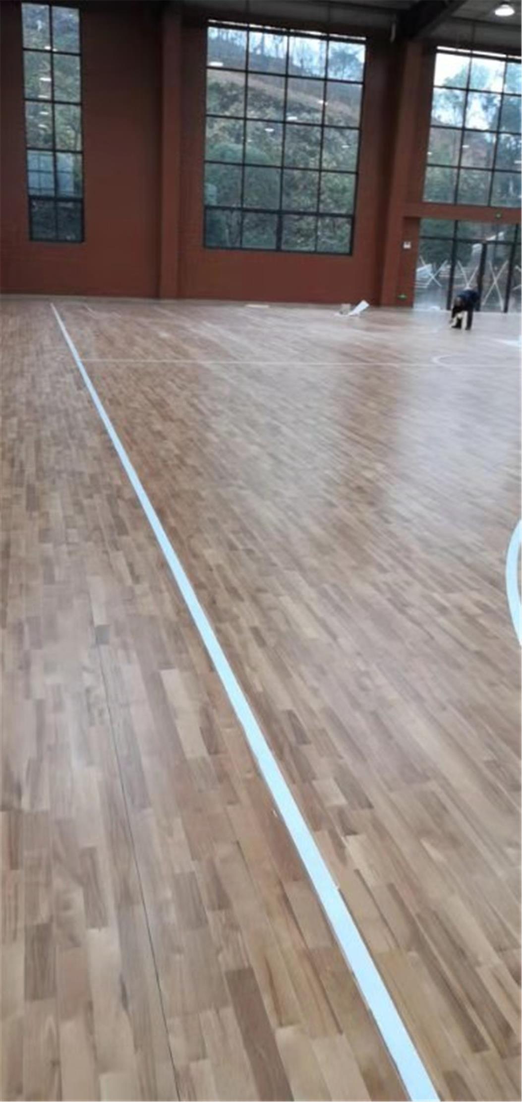 五指山体育场木地板
