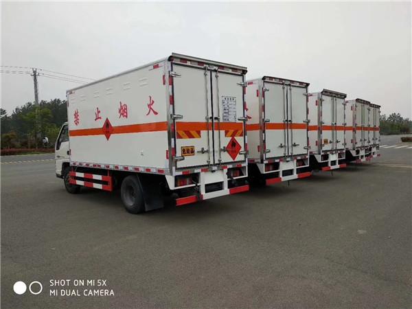 滁州东风危险品运输车