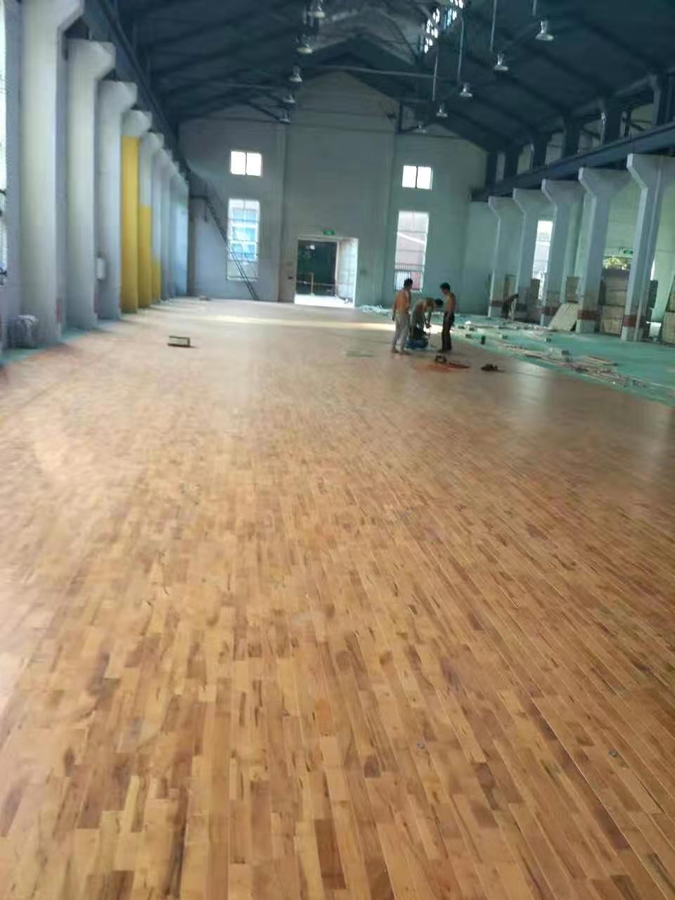 枫木实木运动地板施工
