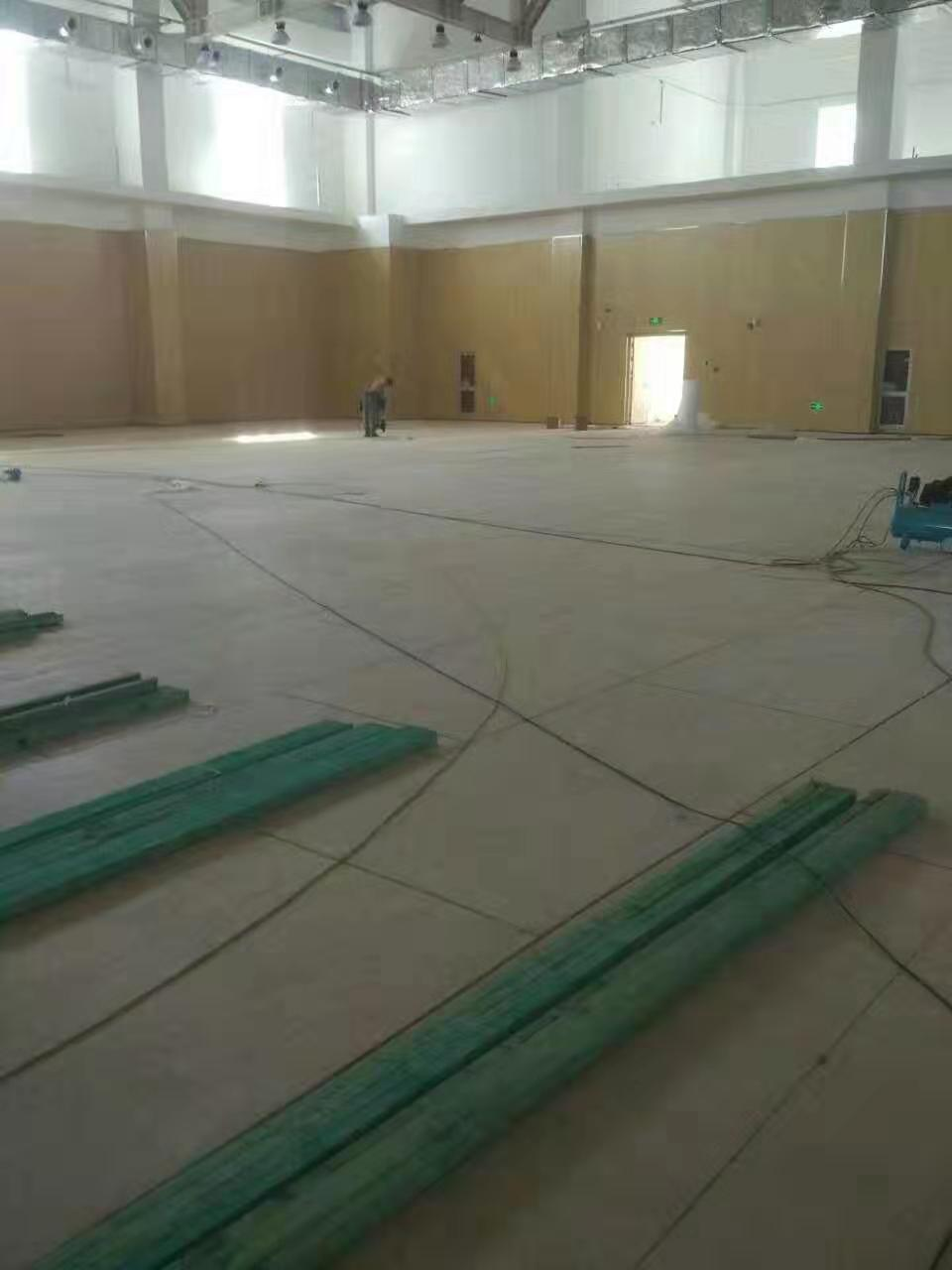B级实木运动地板施工