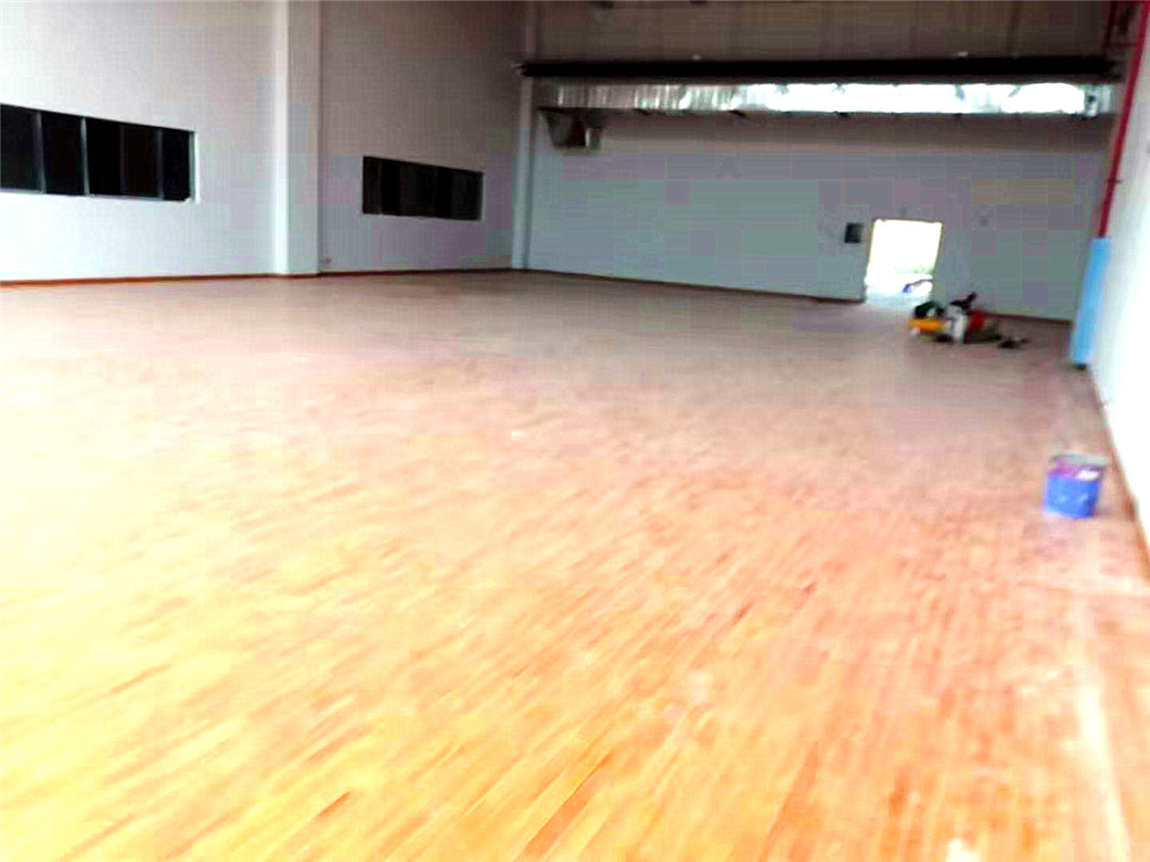 昆明桦木体育木地板