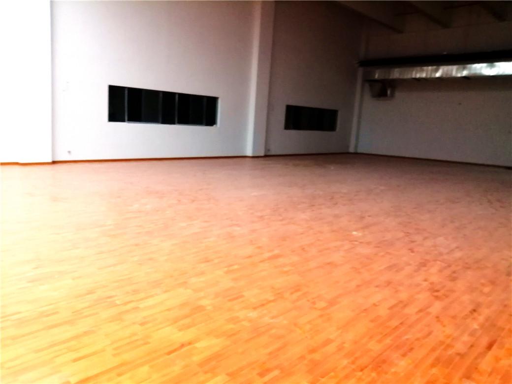 酒泉体育木地板规格