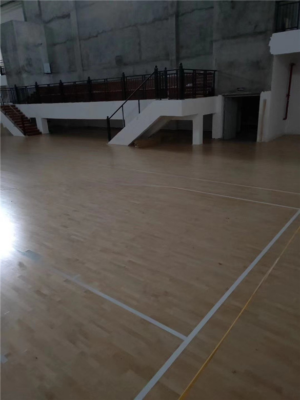 阜阳篮球馆木地板价钱