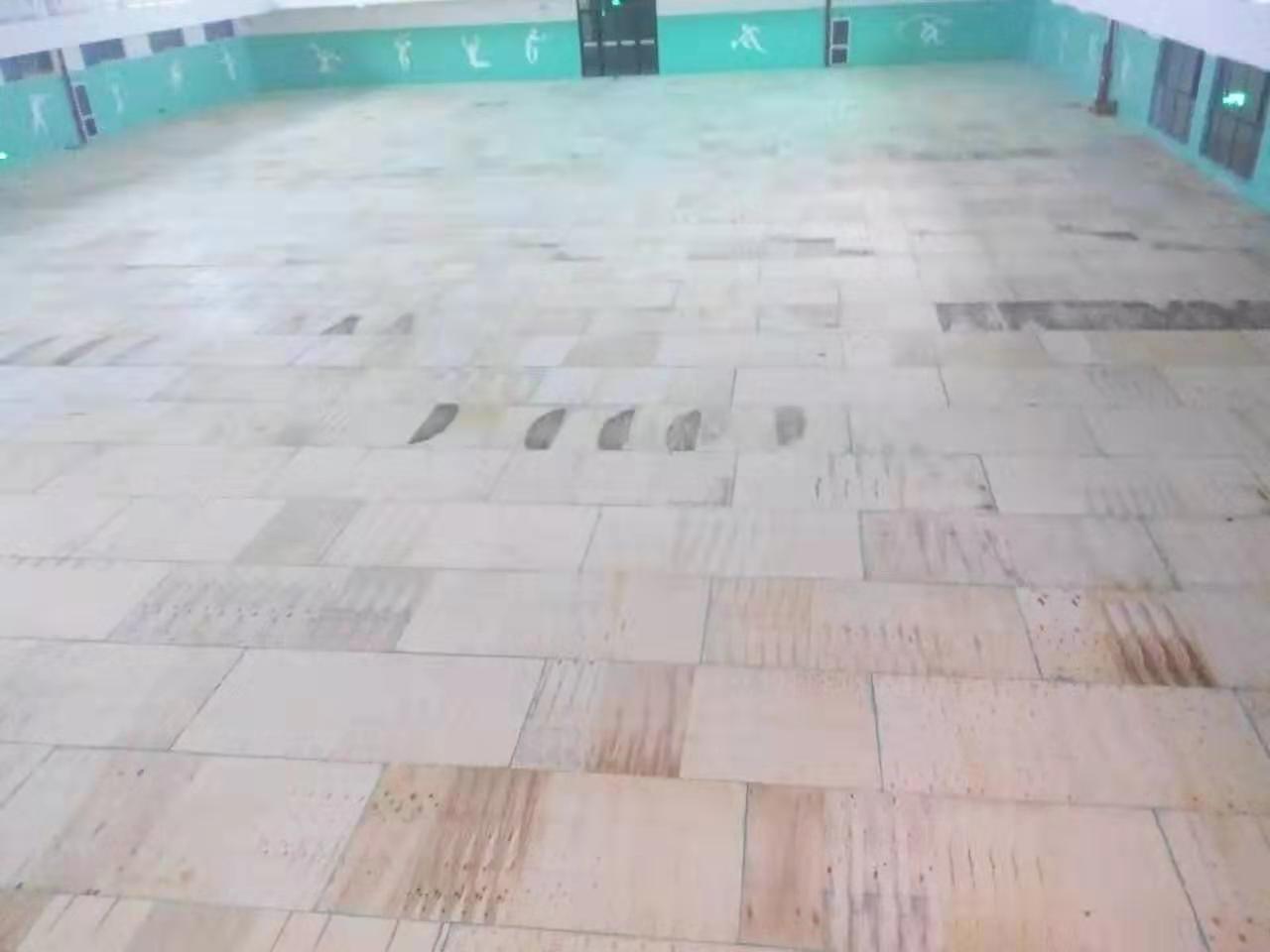 枫木运动木地板安装定制