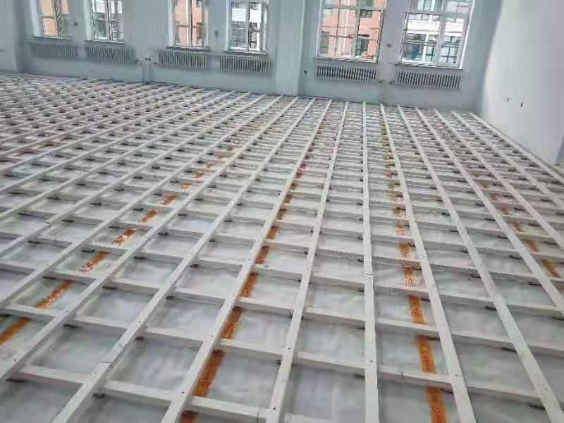 北美枫运动木地板安装厂家