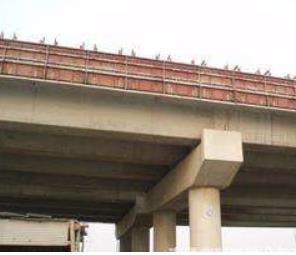 公路护栏模板拆除设备