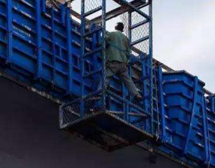 桥梁防撞护栏作业设备