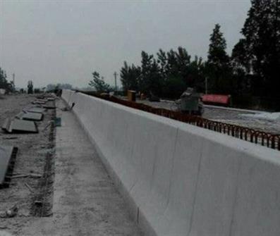 公路防撞墙模板拆除设备