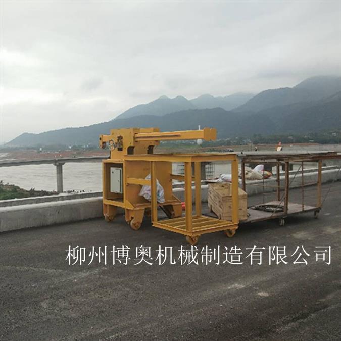 桥梁维护特种车