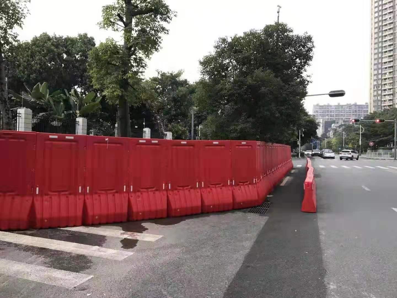 深圳华富塑料水马厂家