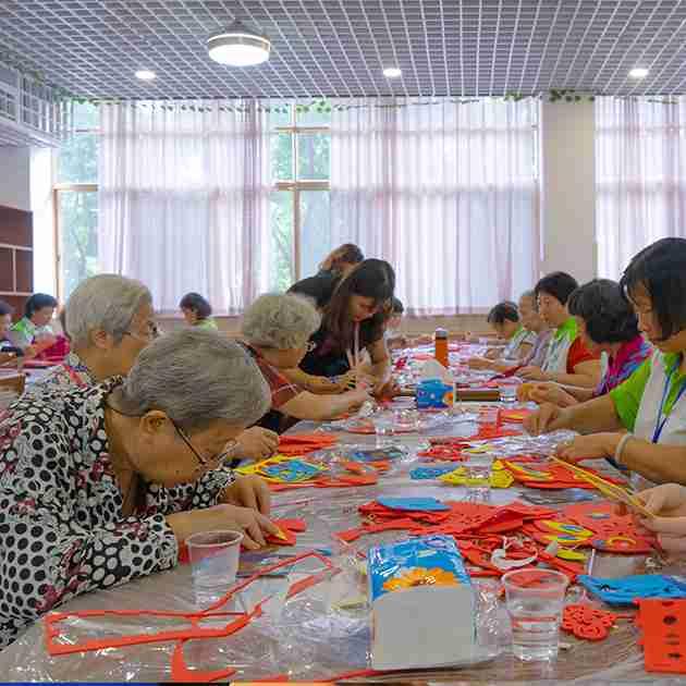 广州黄埔区去养老院好还是在家