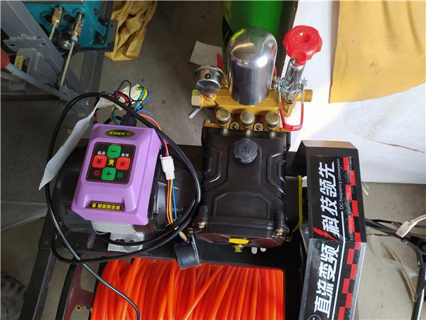 山地農田*電動遙控自動收管打藥機