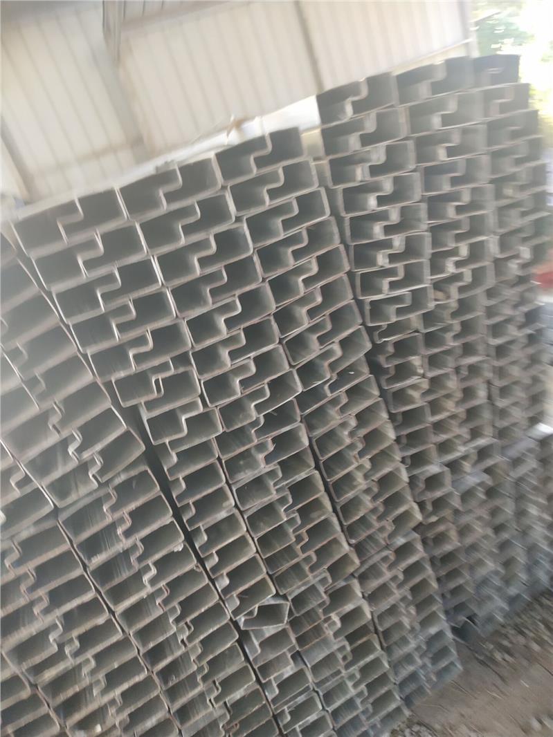 集装箱板房异型管
