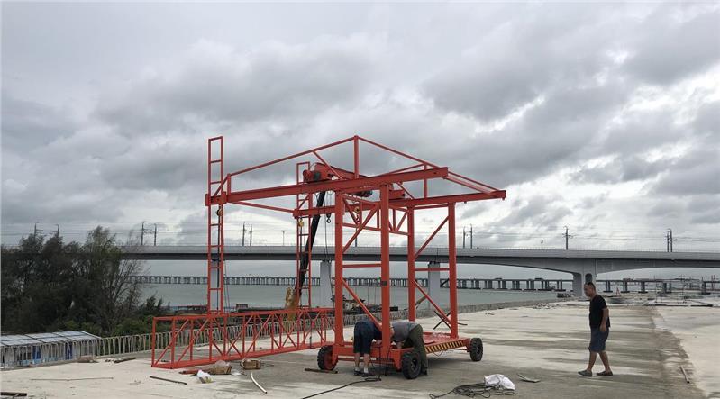 桥面护栏模板施工台车