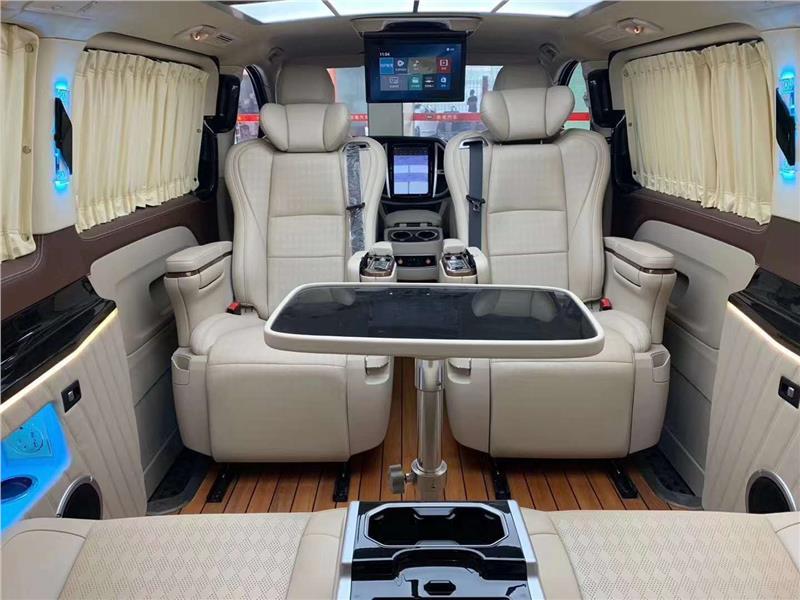 南京原装进口奔驰V250豪华7座商务车改装