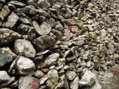 黃埔新港海運鋅礦石進口報關手續和費用-礦石包干進口清關服務