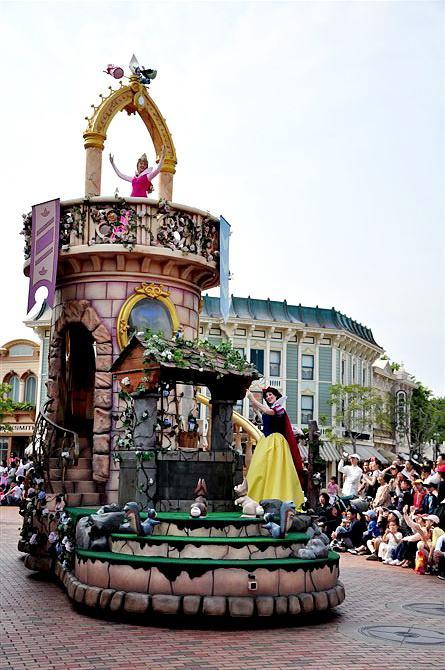 迪士尼巡游花车费用