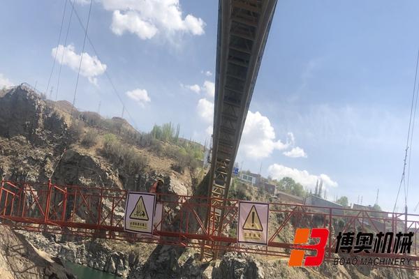 创新型斜拉桥桥梁检测车