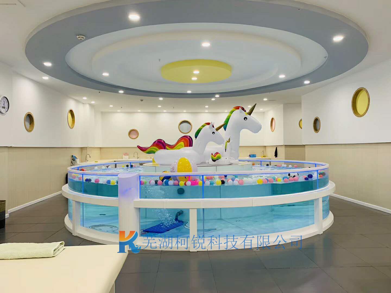 月子会所钢化玻璃游泳池定制 大型钢化玻璃环流池