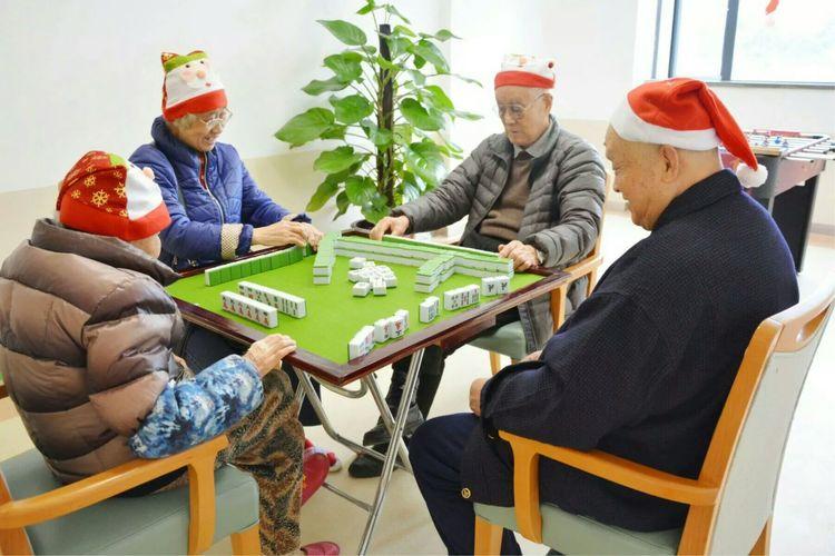 广州岭南把老人送到养老院