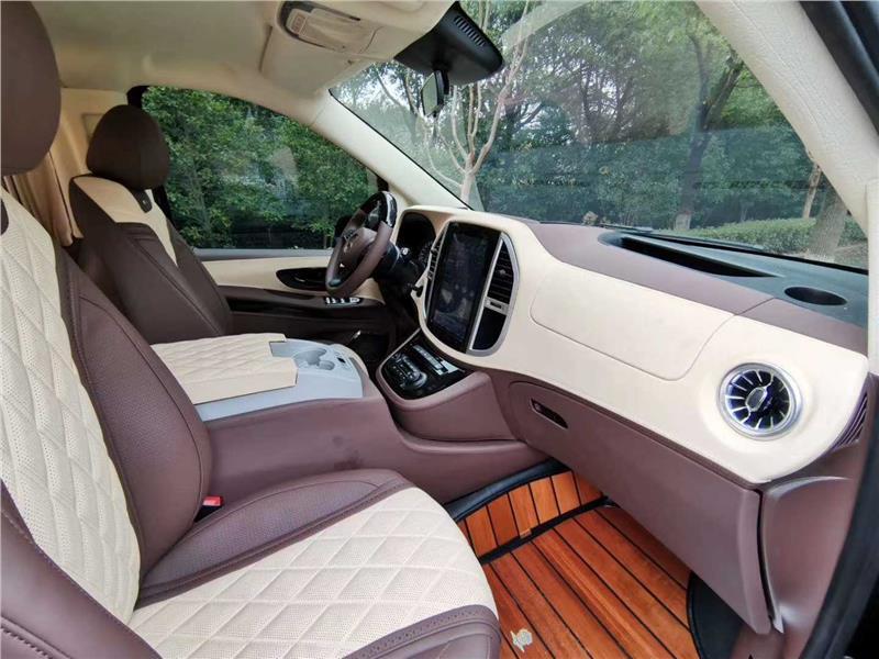 杭州奔驰V260实木地板改装