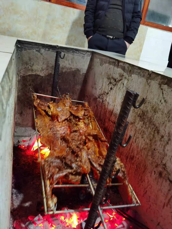 渝中區周邊好吃的烤全羊_活羊現殺現烤_鮮嫩可口