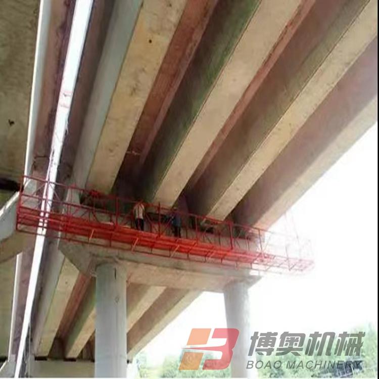桥梁施工吊篮的操作示范