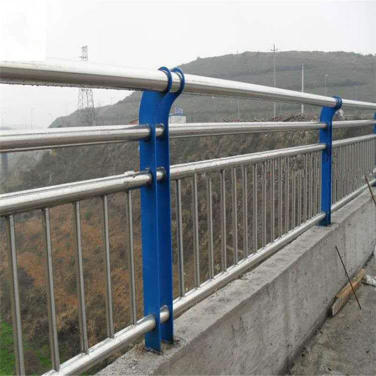 貴州斯達特**不銹鋼橋梁防護欄、不銹鋼復合管橋梁防護欄