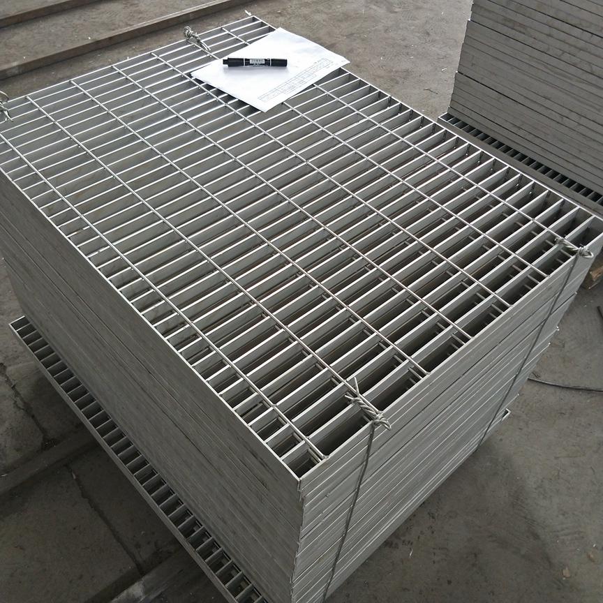 青岛复合镀锌钢格板规格