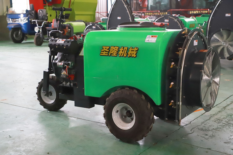 多功能農用噴桿噴霧機