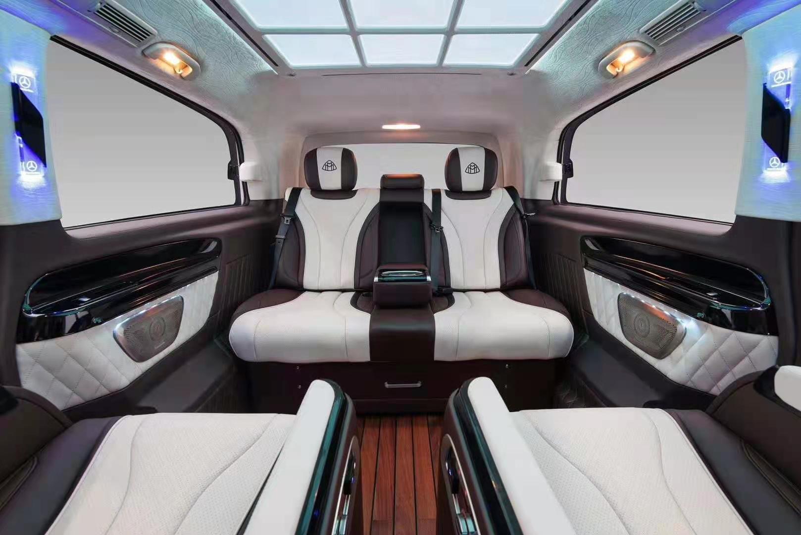 奔驰V220改装航空座椅木地板