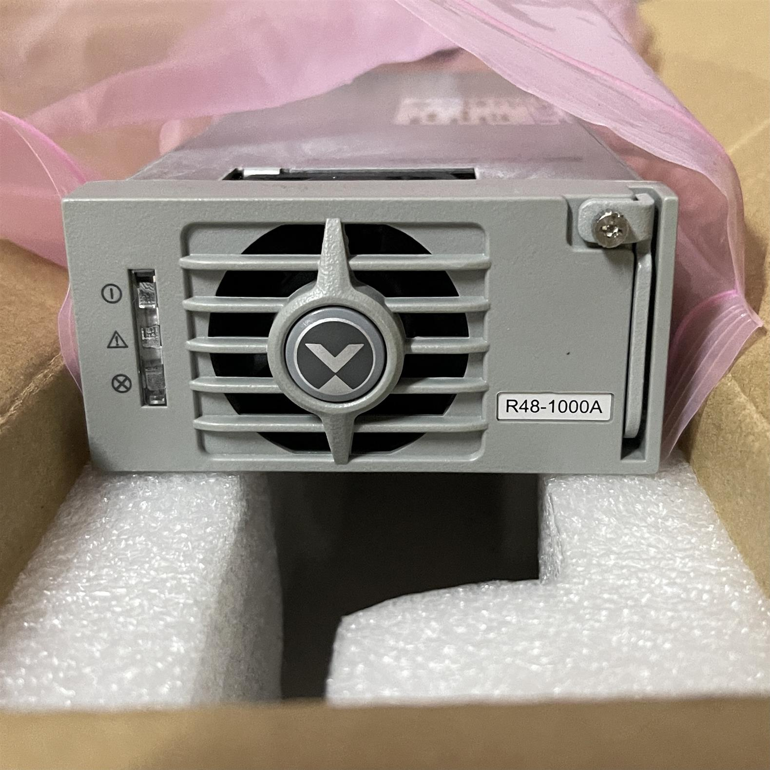 太原維諦R48-500A通信電源 -48V20A模塊 **回收
