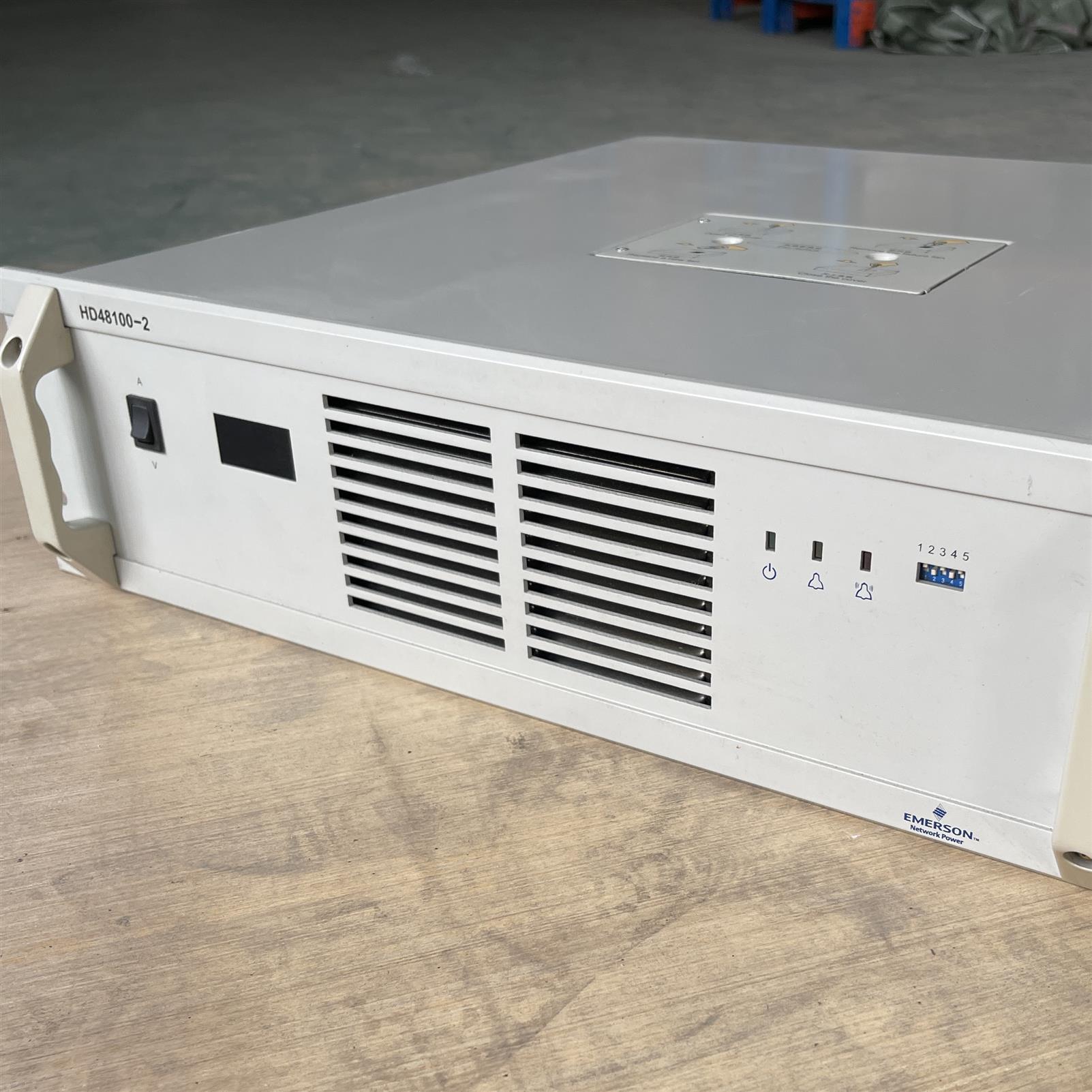 DC48V/100A **回收 太原艾默生HD48100-2