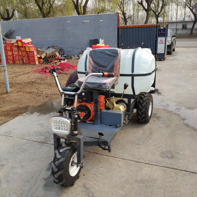 三輪乘坐汽油果園風送打藥機