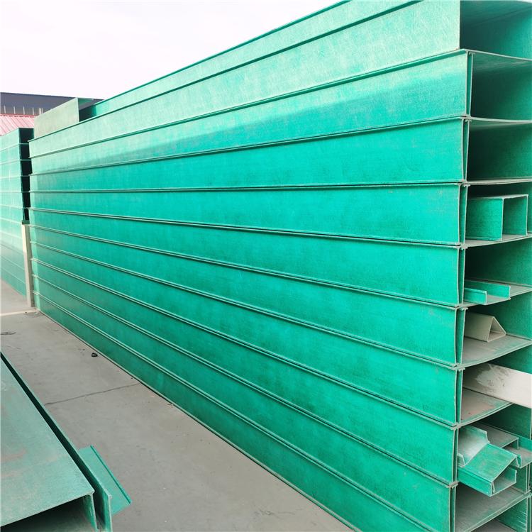 【玻璃钢标志桩】玻璃钢标志桩与PVC标志桩有哪些区别
